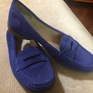 Donald J Pliner blue suede leather loafers.